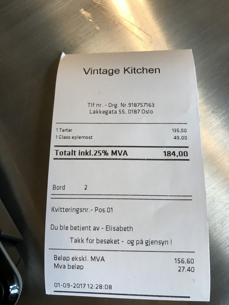 Vintage Kitchen 2-3