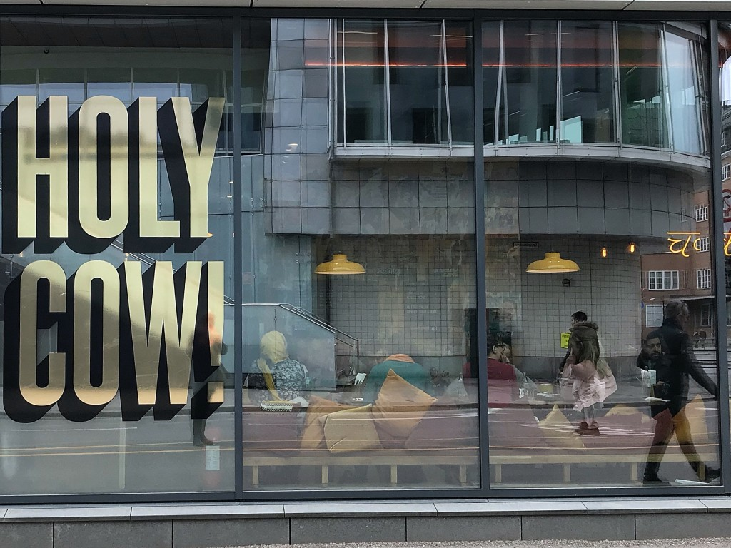 Holy Cow restaurant Oslo street food